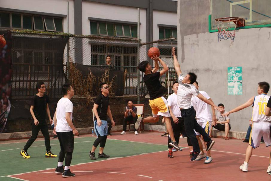 源中瑞篮球比赛精彩瞬间